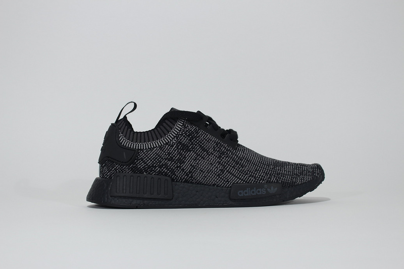 Adidas NMD_R1 Primeknit Pitch og Black